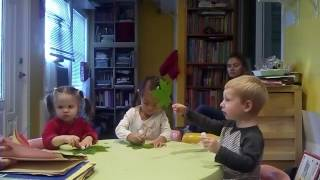 Занятие с детьми 2,5 года. Развитие речи. Работа с 2-мя полушариями мозга. October 10, 2016