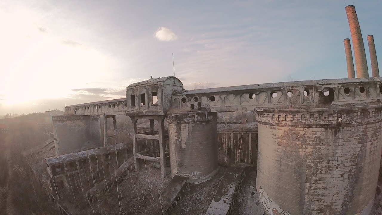 Abandoned Cement Factory : Ruined abandoned factory cement plant grodziec