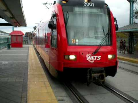 san diego trolley green line arriving at fashion valley youtube. Black Bedroom Furniture Sets. Home Design Ideas