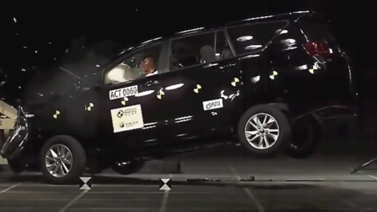 all new kijang innova crysta brand toyota camry se crash test 2016 youtube