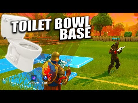 Teaching Trevor how to make a Toilet Bowl Base in Fortnite