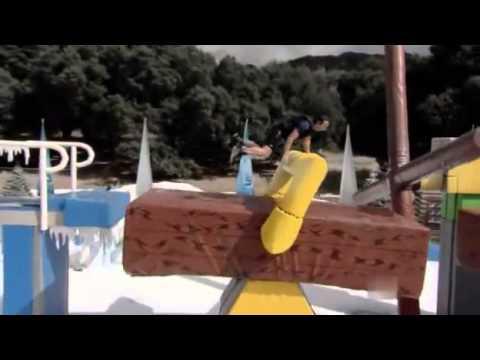 Лучшие моменты из американской игры Wipeout.mp4