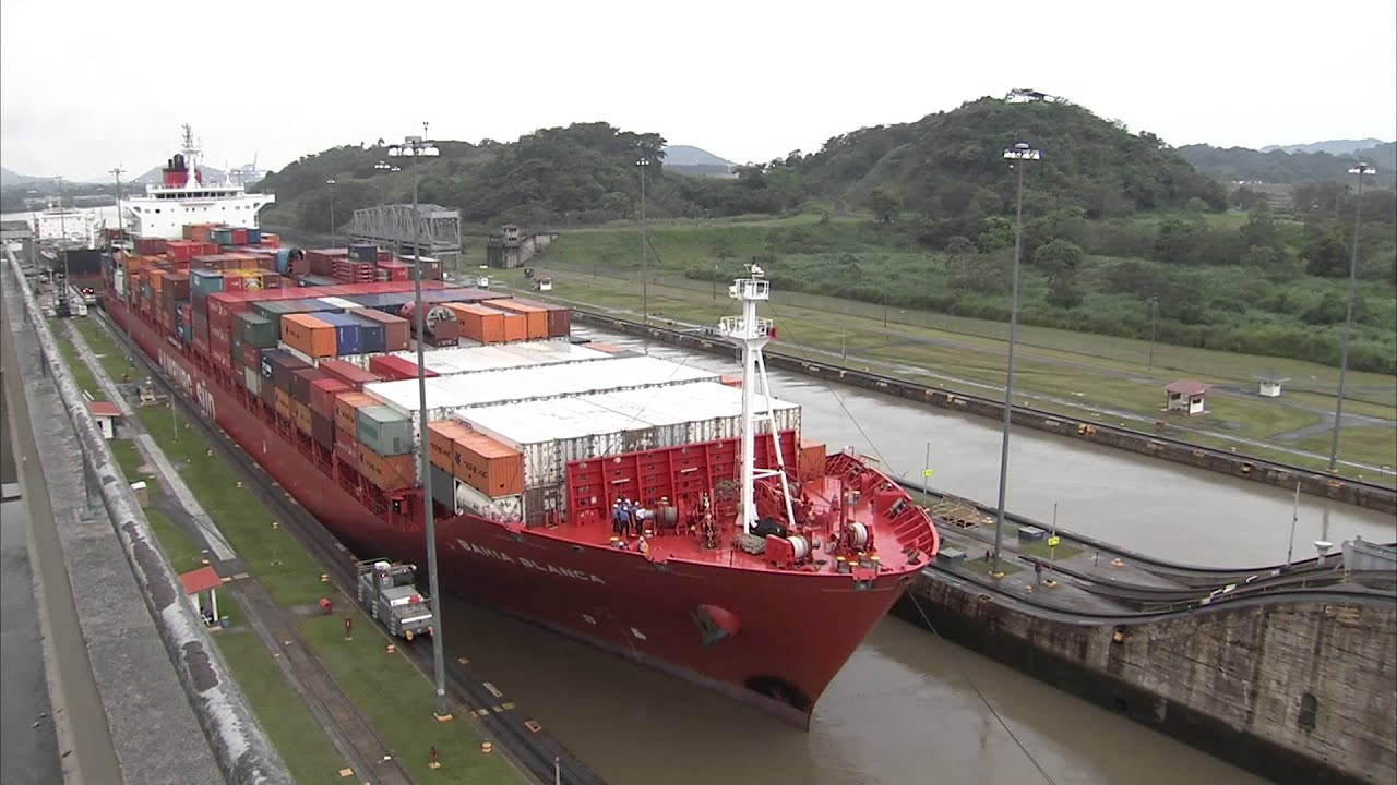 hight resolution of how does the panama canal work