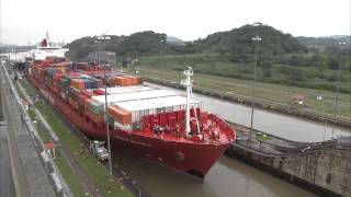 How Does the Panama Canal Work?