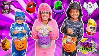 HALLOWEEN TRICK OR TREAT Pretend Play For Kids With Kyrie & DJ's Clubhouse