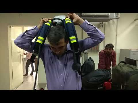 Compressed Air Breathing apparatus Demo in Hindi