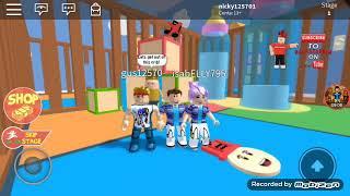 Erstes Video mit meiner Familie Roblox