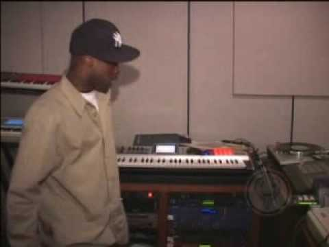 Inside Mobb Deep's Studio [Havoc Spits A Freestyle]