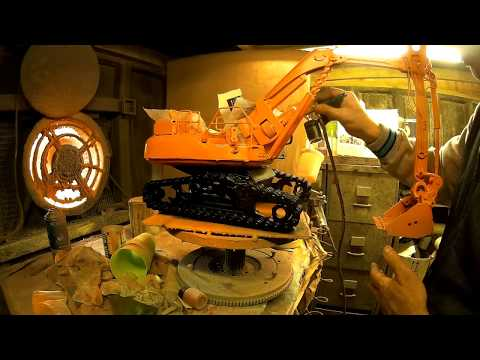 TIME-LAPSE WELDING RECYCLED SCRAP METAL DOOSAN EXCAVATOR DIG