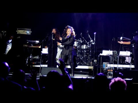 Leela James performs live at the Two Rivers Gala | Tougaloo Honors