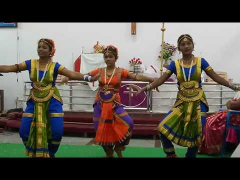 Welcome song dance by Saral,Sheneha and Angel at Manapakkam ECI church. Chennai 600125Christmas 2016