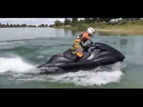 Водный мотоцикл  SUZUKI HAYABUSA ENGINE IN JET SKI