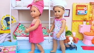 Sister Dolls Take Morning Bathroom Routine for School Day