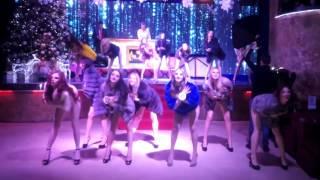 секс на сцене. красивые  девченки. конкурс красоты. мисс))