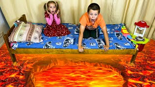 Three kids -The Floor is Lava -Пол это лава челлендж! Веселые истории с папой