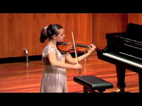 Inés Issel plays Caprice 13 by N.Paganini