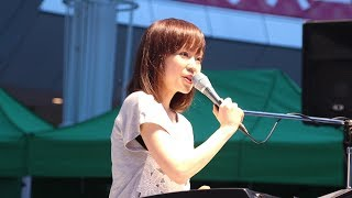 6月29日、ラゾーナ川崎にてシンガーソングライター・川嶋あいが15周年を...