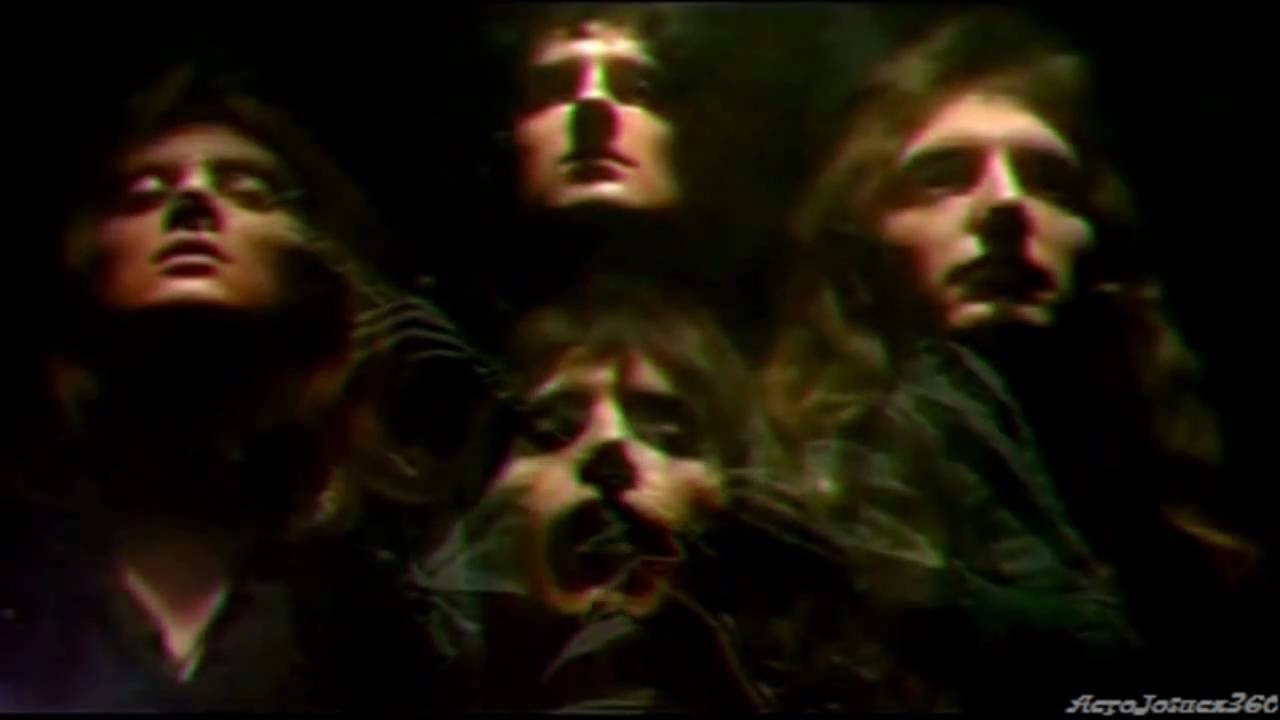 Sneak Peek at 'Bohemian Rhapsody' Teases the Queen Biopic