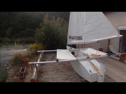 Little TRI DIY trimaran: After all the cat's my first trimaran. I built the boat in 136 hours. After many requests a plan is made for the boat. Construction time lapse: https://www.youtube.com/watch?v=bP4wwV9XPOo   For more info: http://ikarus342000.com/LITTLETRI.htm
