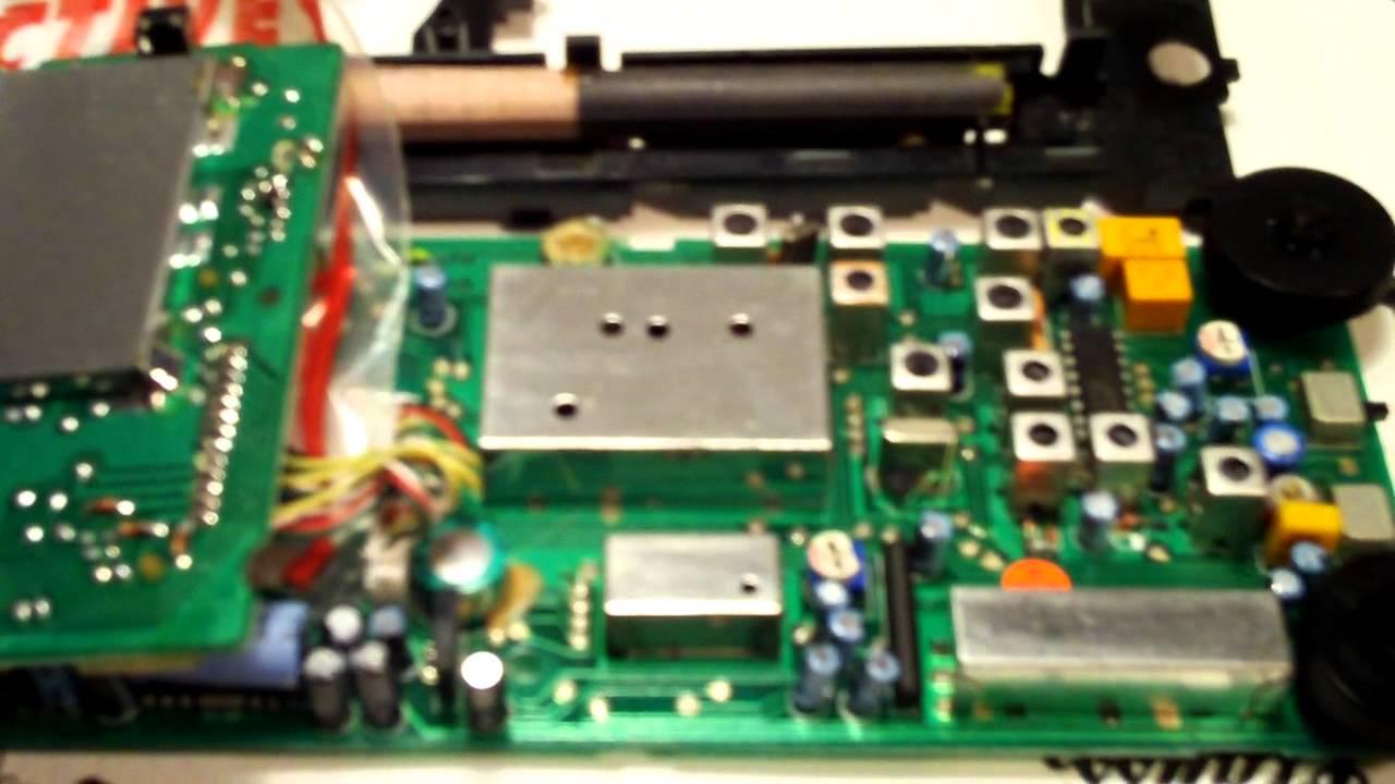 repairing a grundig yacht boy 400 shortwave radio youtube rh youtube com Grundig S350 Antenna Eton Grundig S350