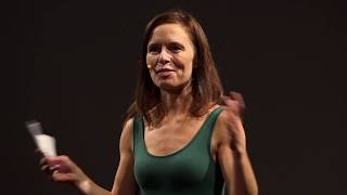 I díky smrti může duše zazářit | Veronika Hurdová | TEDxPlzeň