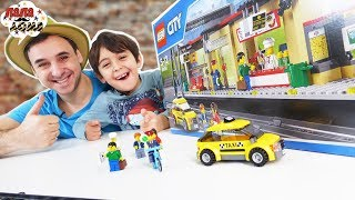 СТРОЙКА В БОЕВЫХ УСЛОВИЯХ! Папа Роб и Ярик собирают станцию Лего Сити. Сборник