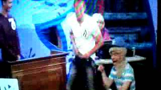Download Video Lee Nelson Show- Bloke flashing his cock!! MP3 3GP MP4