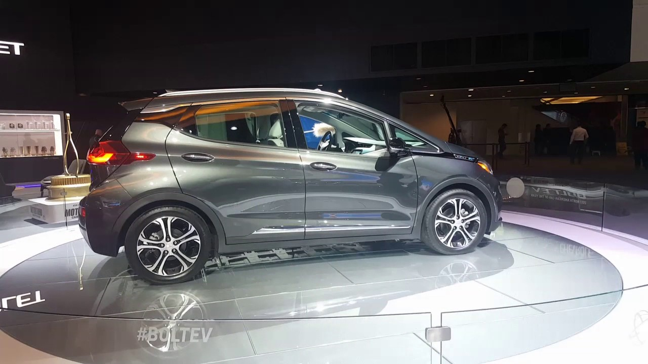 2018 chevy bolt detroit auto show youtube. Black Bedroom Furniture Sets. Home Design Ideas