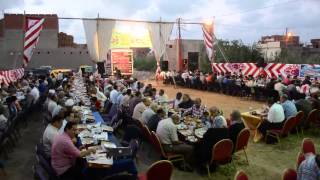 فيديو| محافظ الإسكندرية يتناول الإفطار وسط أهالي المناطق الشعبية