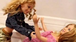 Barbie Mannequin Challenge