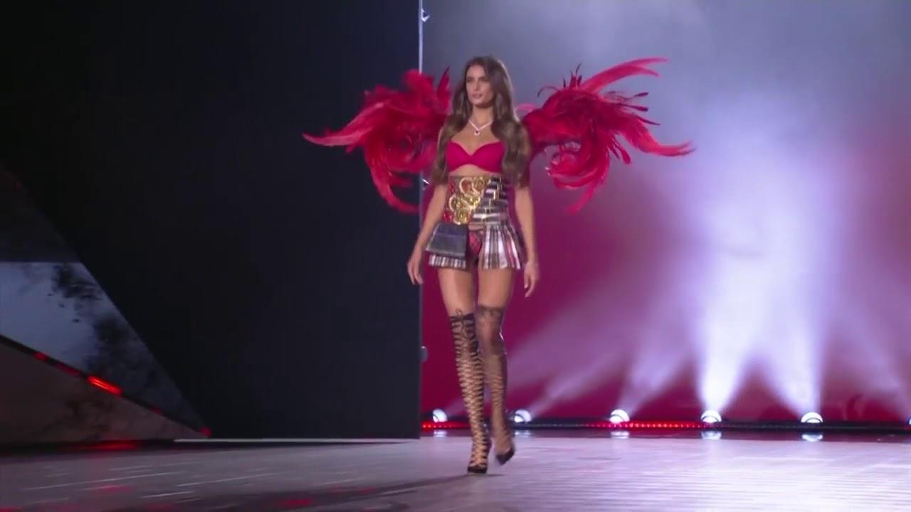 8d6187326b Taylor Hill - Victoria s Secret Fashion Show 2018 - YouTube