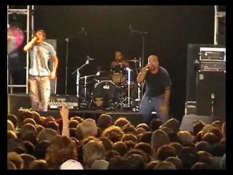 Linea 77 - Live at Reading Festival 2001 (Full Show)