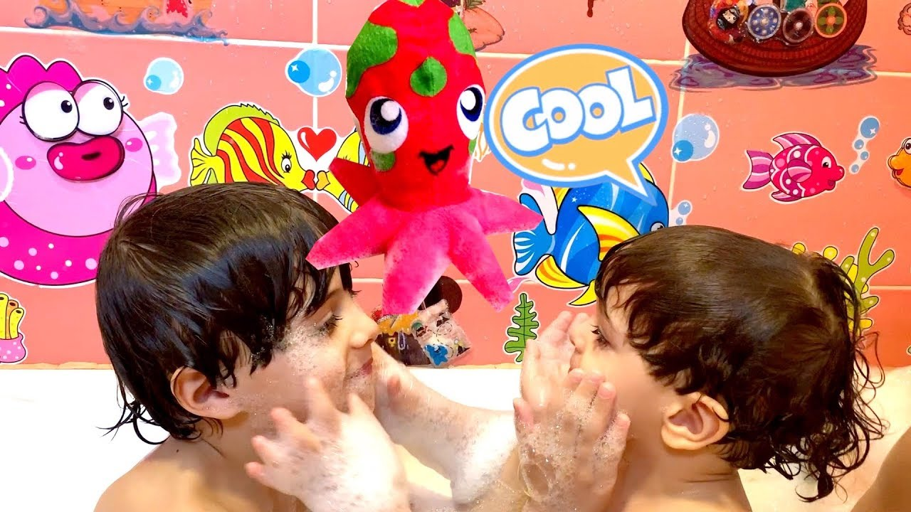 Bath Song Nursery Rhymes song for Kids by Andrew and Max