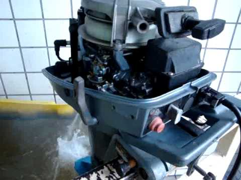 Yamaha out boat engine 6hp youtube for Yamaha 6hp outboard motor