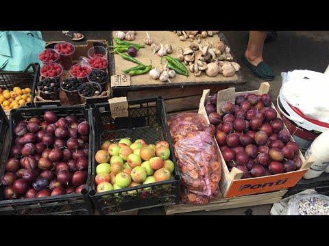 Auf dem Markt in Lviv (Lemberg) - Ukraine | überreife & verdorbene Lebensmittel?