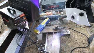 Тест инвертора Дніпро М 250 DB(Сварочный инвертор Дніпро-М mini MMA 250 DB (дисплей, кейс) -- «уменьшенный» вариант стационарного сварочного инве..., 2013-06-26T06:52:43.000Z)