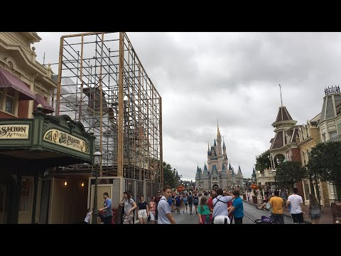Hurricane Irma Prep Live Stream at the Magic Kingdom - Walt Disney World