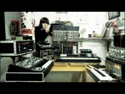 Throbbing Gristle/Chris & Cosey clip from Synth Britannia