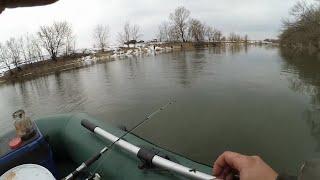 Рыбалка на КОЛЬЦО на малой реке Ловлю густеру и плотву на кольцо в марте