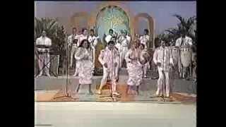 Los Hermanos Rosario, Canta Toño