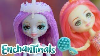 Enchantimals Portugal 💜 Sob o mar: se preparando 💦 Vídeos engraçados para crianças.