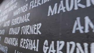 """Paredes de Miami """"dicen"""" nombres de víctimas de violencia con armas en EE.UU."""