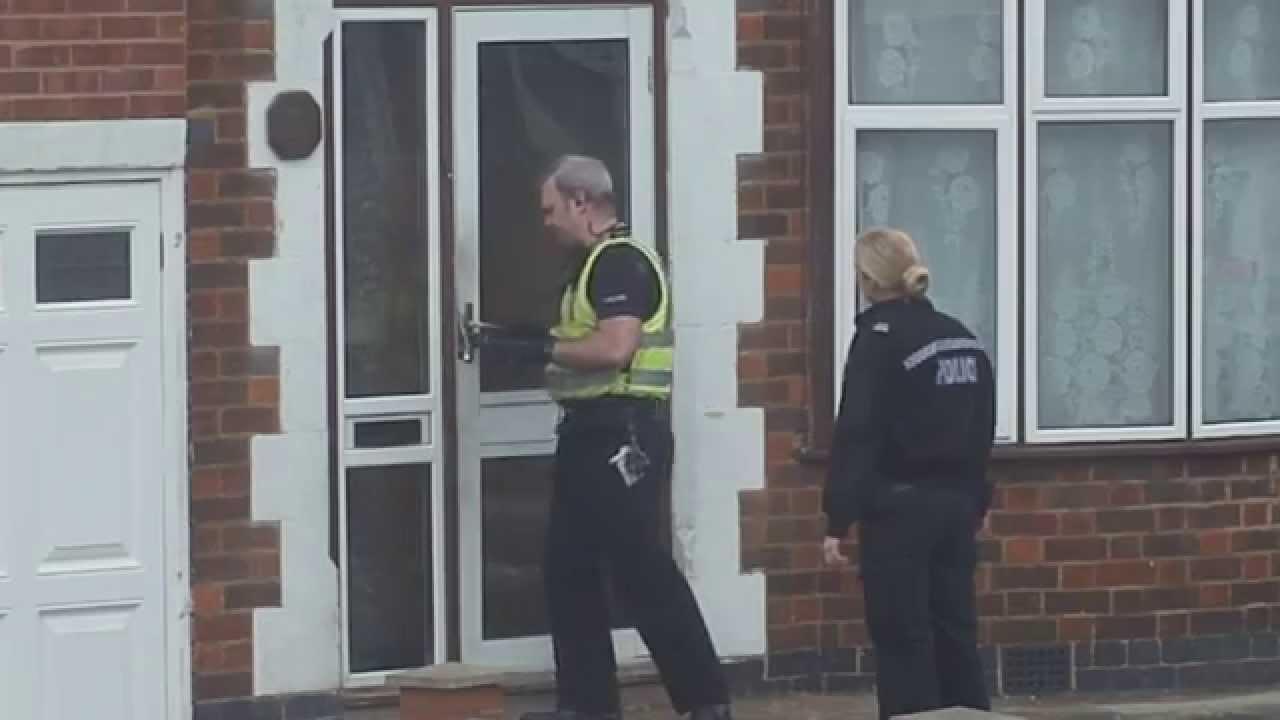 Kicked In Door : Police kick in a door youtube