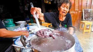 Thai Street Food  GRANDMA'S CRAZY SNACK in Chanthaburi, Thailand!