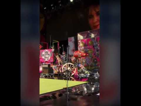 Miley Cyrus – Heart Of Glass (Live Super Bowl Pre Show 2021)