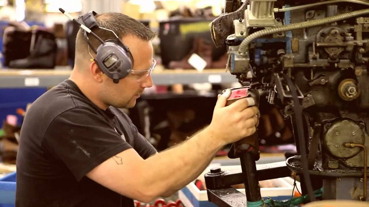 Red Wing Shoes Factory visit - YouTube