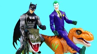 Robo Alive Dinosaur T-Rex Vs Batman ! Silly String Joker ! Superhero Toys