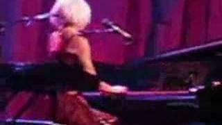 Tori Amos-Philadelphia 10.15.07-Hoochie Woman REMIX