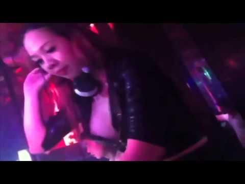DJ Tina lộ hàng cực đẹp