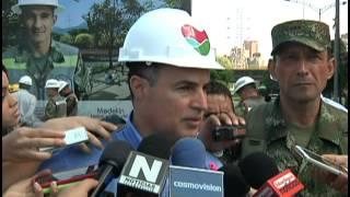 Comenzaron a operar los puentes militares sobre el Río Medellín [Noticias] - TeleMedellin